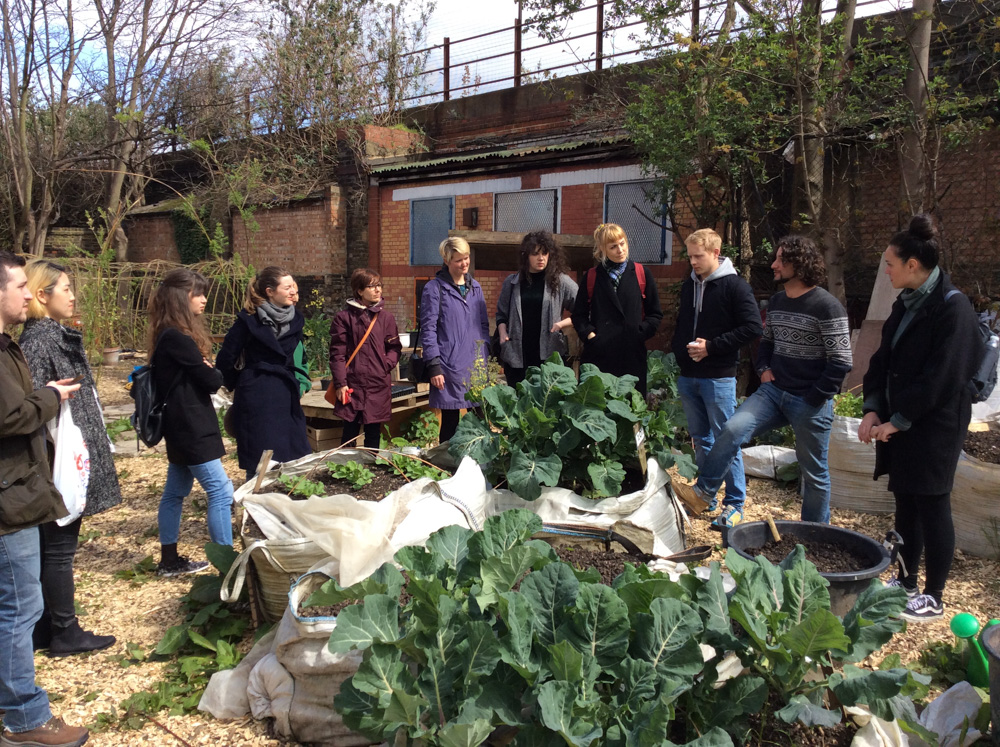 Guided tour by Tom Dobson, followed by a volunteers session at Loughborough Farm, South London.